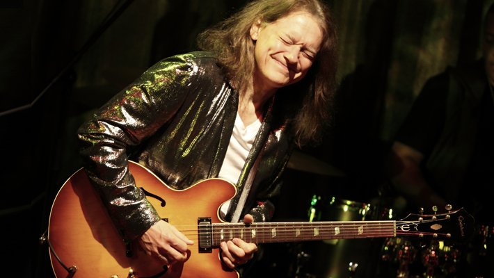 Robben ford bringing it back home japan tour 2013live reports robben ford bringing it back home japan tour 2013 voltagebd Choice Image